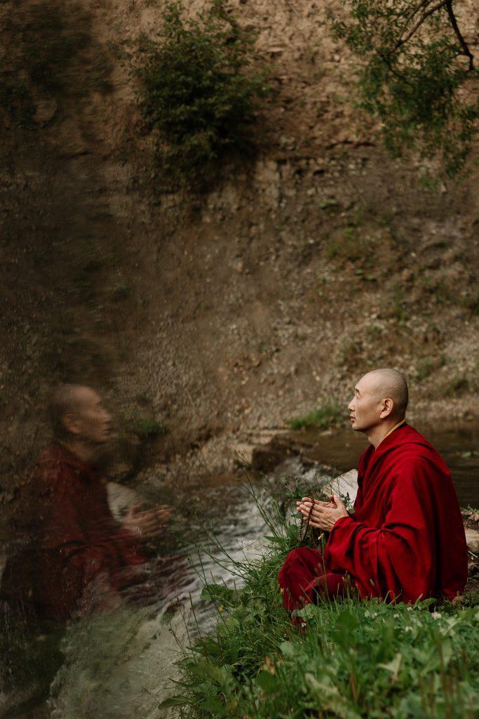 méditation bouddhique moine bouddhiste